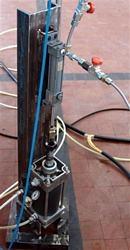 Prova ciclica su componente per sospensioni di motoveicoli